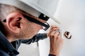 באילו מקרים חשוב לקחת חברה לעבודות חשמל