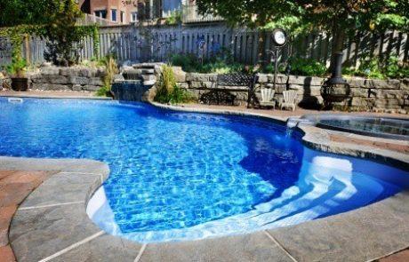 מה שצריך לדעת לפני שמקימים בריכת שחייה ביתית?