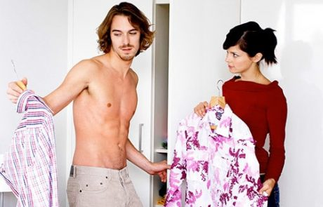 לאיזה דברים לשים לב כשקונים ארון בגדים?