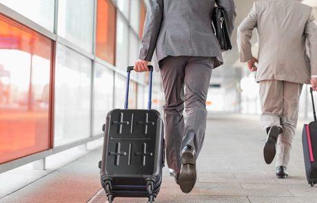 מזוודות קשיחות – יתרונות וחסרונות