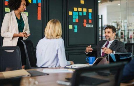 מה לקחת בחשבון כאשר מחפשים מקום לישיבות מחוץ למשרד?