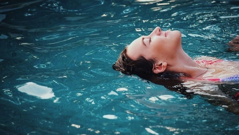 לימוד שחייה למבוגרים