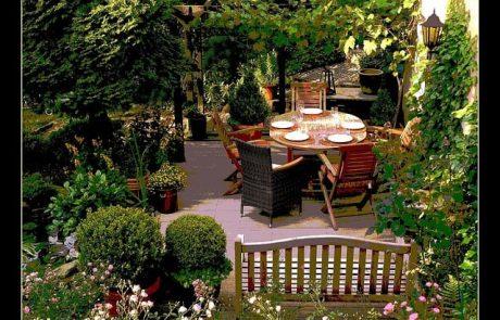 איך לעצב את הגינה עם רהיטי גן?