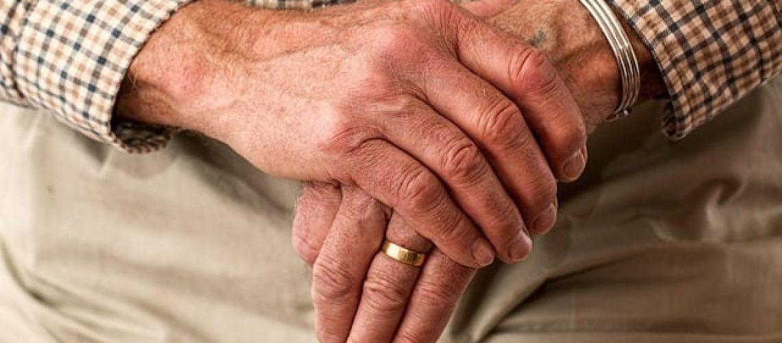 טיפול אנושי ומסור לקשישים