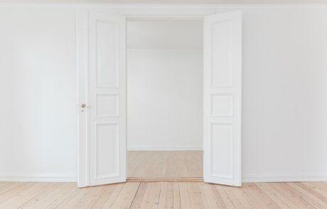 דלתות במבצע