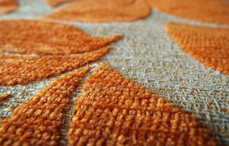 איך לשלב שטיחים גיאומטריים בעיצוב הבית