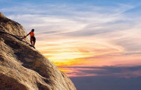 בואו לטפס על הר האלברוס – הפסגה הגבוהה באירופה