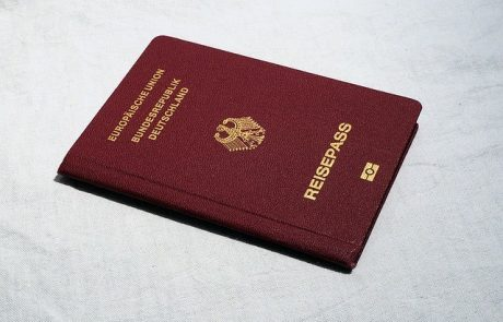 למה כדאי להוציא דרכון אירופאי?