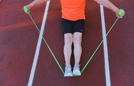האם גומיות אימון יותר טובות ממשקלות?