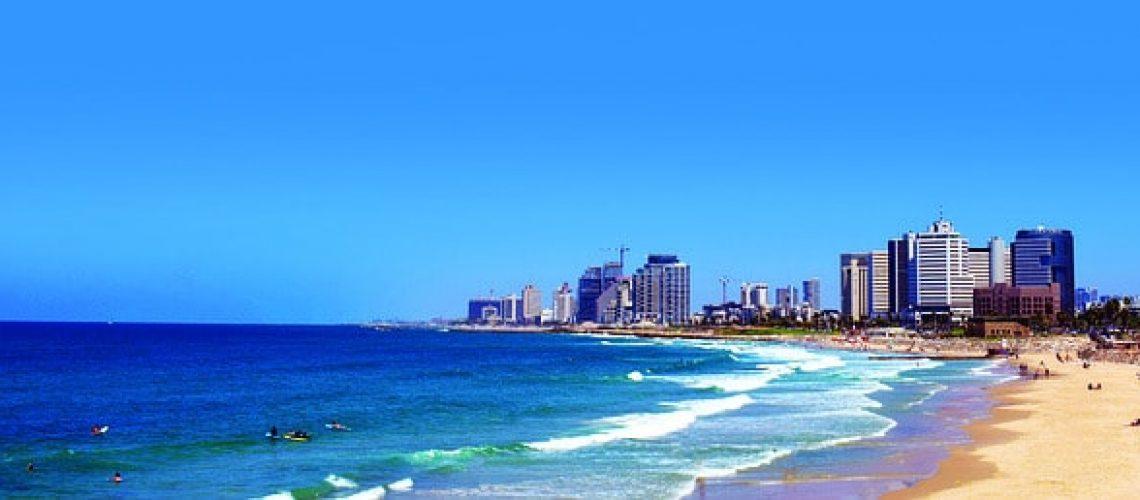 לגור בתל אביב