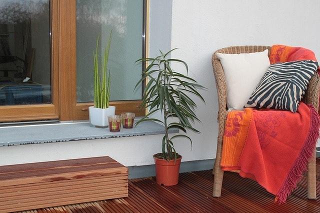 פתרונות מגוונים ויצירתיים עבור דק למרפסת