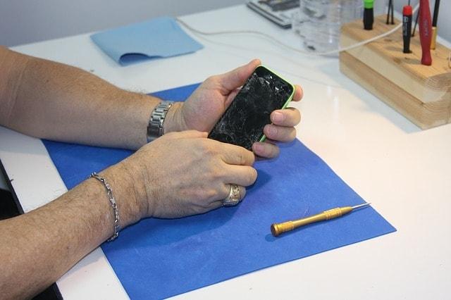 איך לבחור מעבדה לתיקון סלולרי