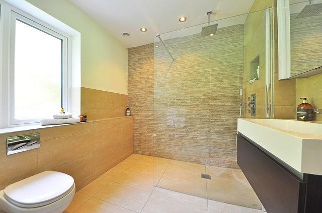 איך אפשר להפוך את חדר האמבטיה לנעים יותר?