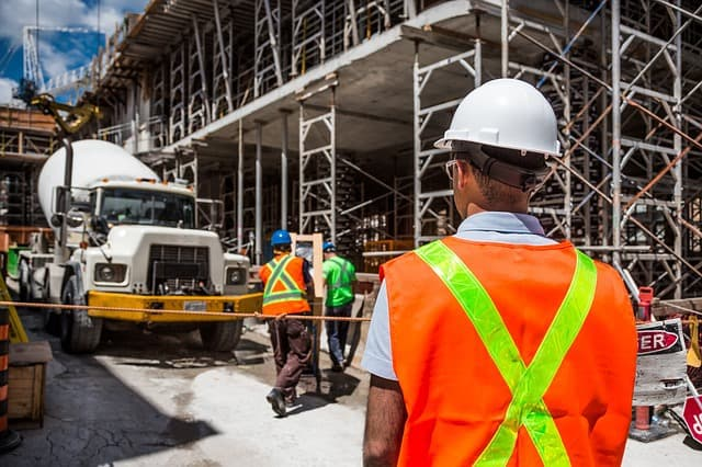 החשיבות של ביטוח אחריות מקצועית בתחום ההנדסה