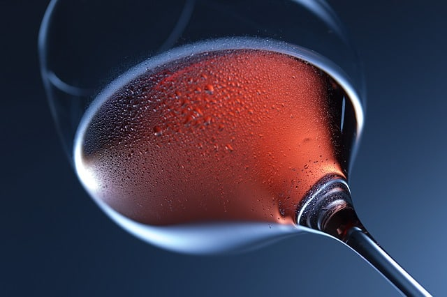 איך כדאי לשמור יין