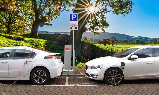 5  יתרונות של רכב חשמלי