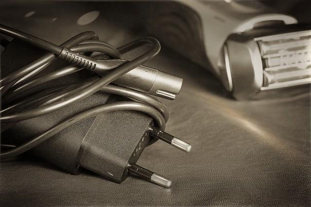סקירה: מכונת גילוח חשמלית או רגילה?