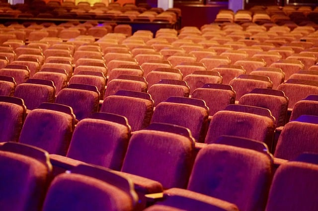 הצגות מומלצות – איך לבחור הצגות תיאטרון מומלצות?